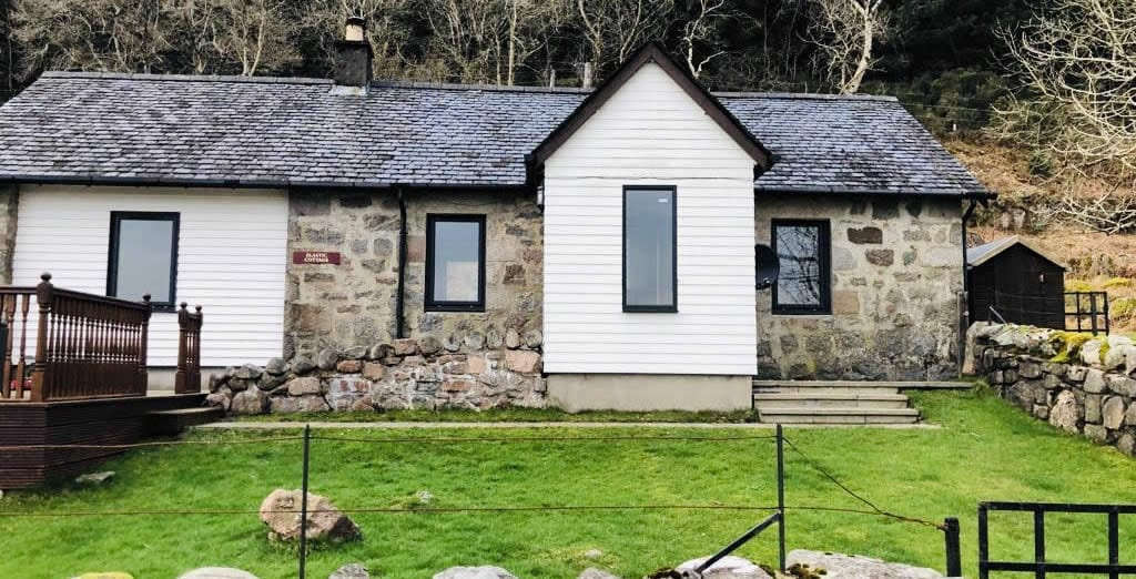 Elastic Cottage